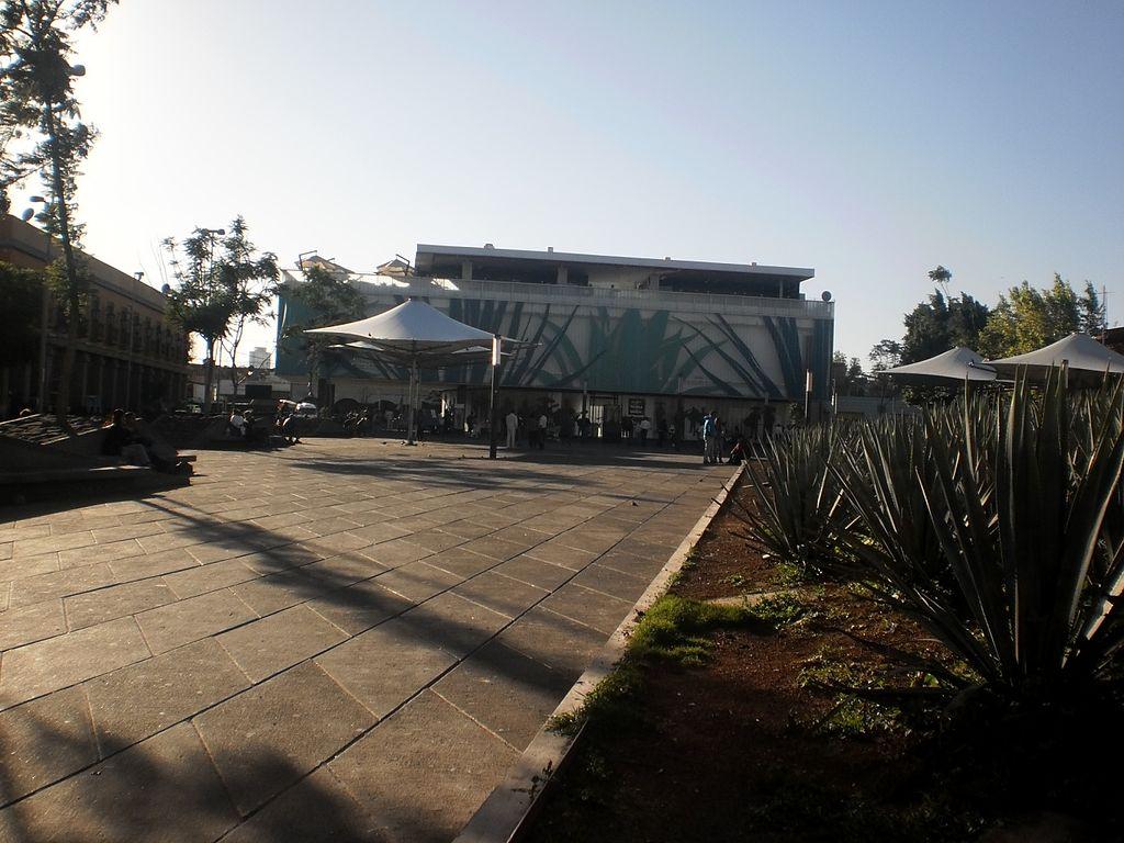 1024px-Plaza_Garibaldi_5