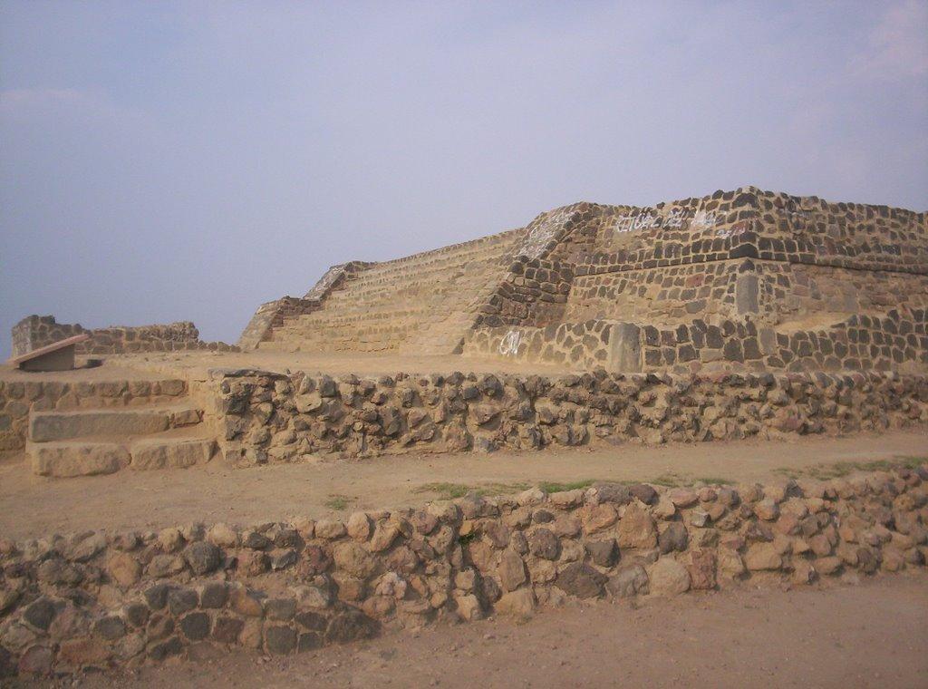 piramide cerro de la estrella