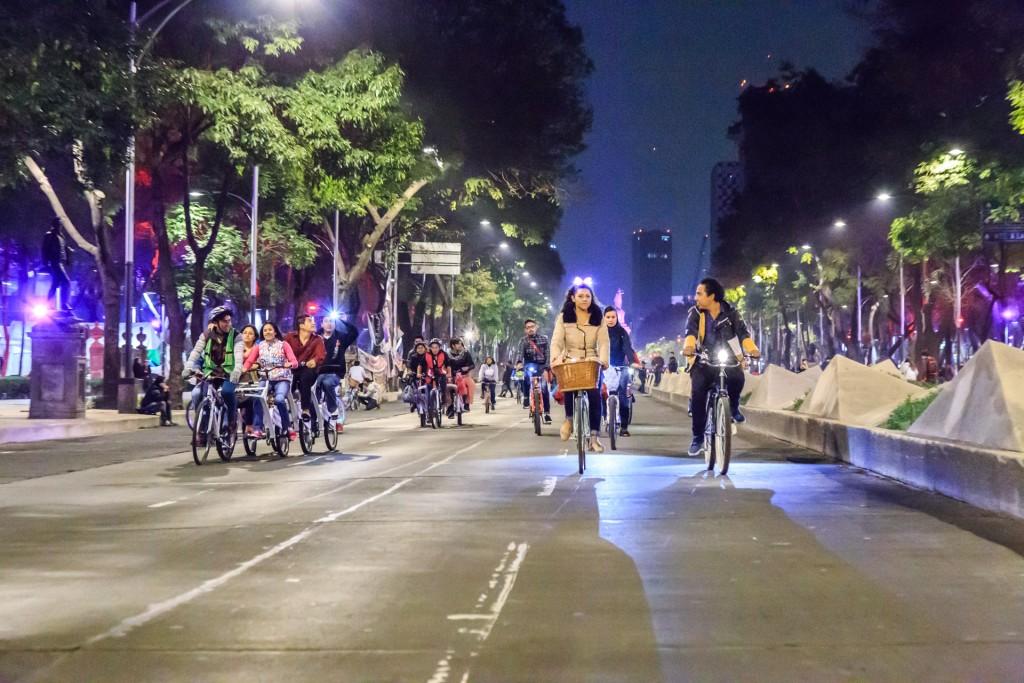 Paseo-nocturno-Reforma-2