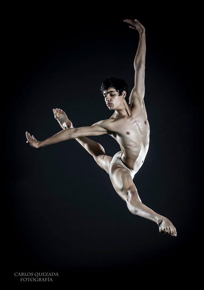 The Male Dancer Project- Alejandro Mendoza - México. Compañía Nacional de Danza México. Fotografía Carlos Quezada