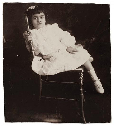 Frida Kahlo a los 2 años de edad