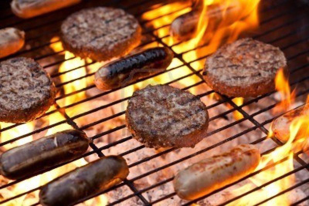 salchichas -y- hamburguesas