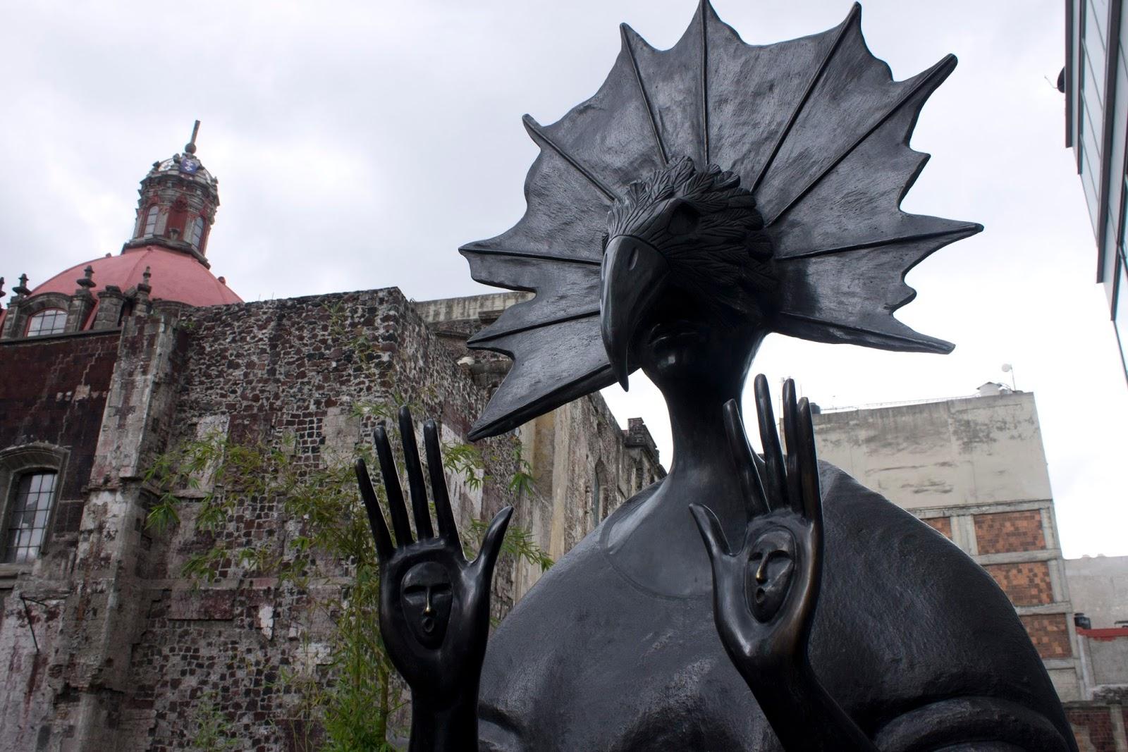 leonora-carrington-y-sus-animales-fantasticos-atrio-san-francisco-centro-historico-3