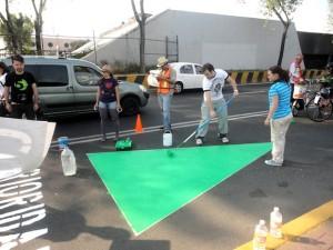 http://www.arteycallejero.com/2012/12/camina-haz-ciudad-el-colectivo-que-recupera-espacios-para-los-peatones-en-la-ciudad-de-mexico/