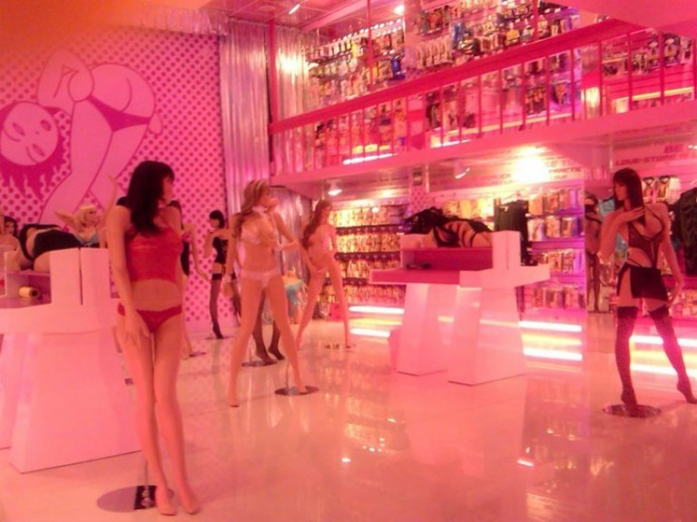 Suggest Sex stores in la
