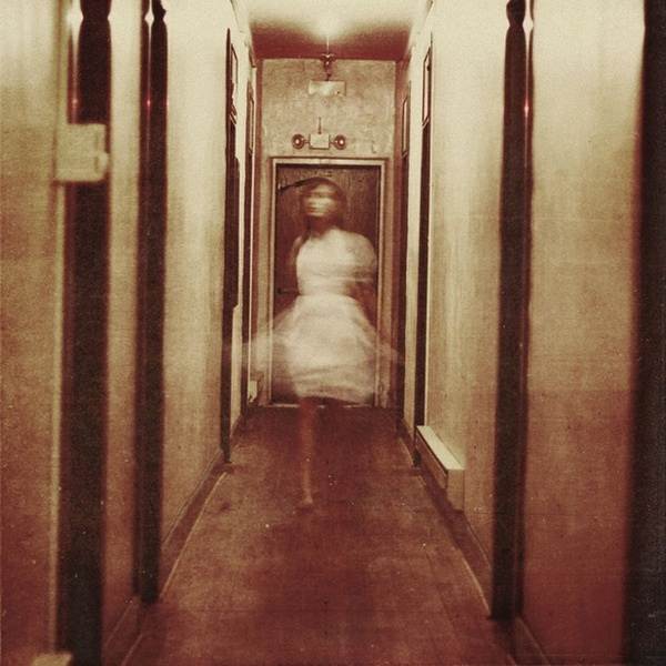1.17-Year-Old-Surreal-Photographer-Maria-Sardari