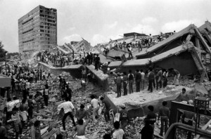 Thousands of citizens united to help each other during the devastating earthquake of 1985.