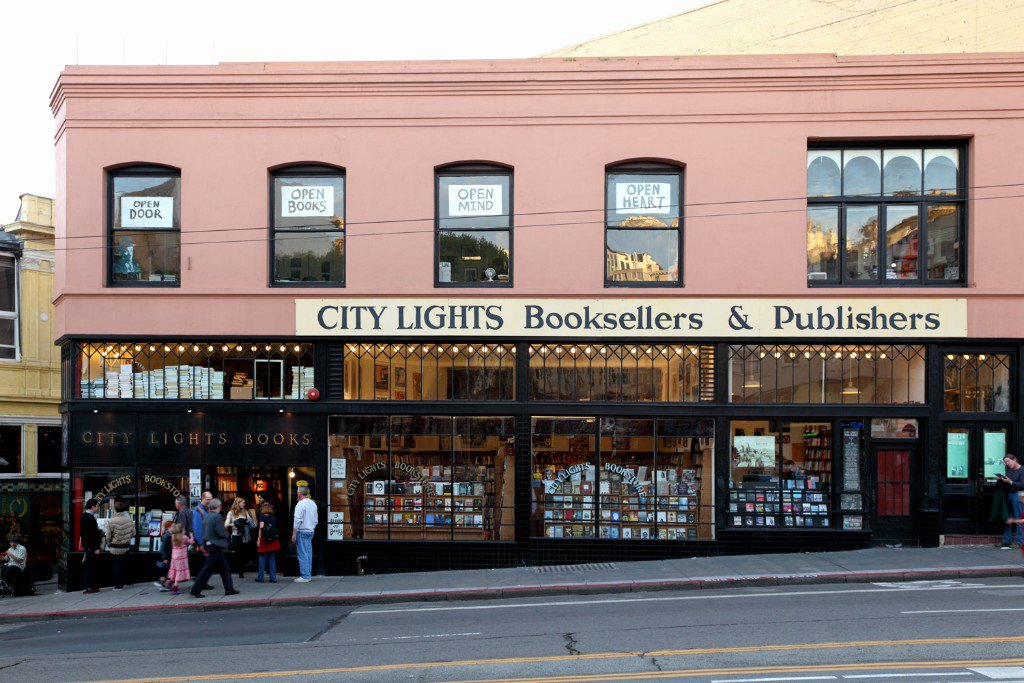 City Lights books, enfocada en literatura de cultura alternativa