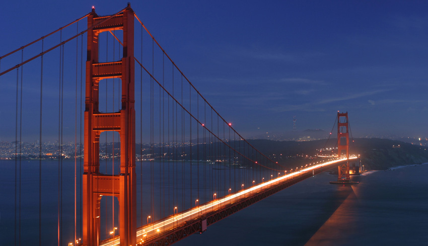 Golden_gate_bridge_at_dusk