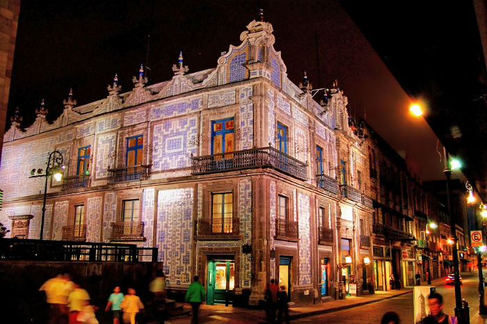 La casa de los azulejos un cono de la ciudad mxcity for Edificio de los azulejos