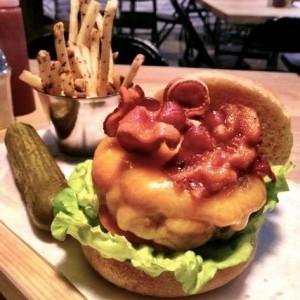 Smokey's Burger House