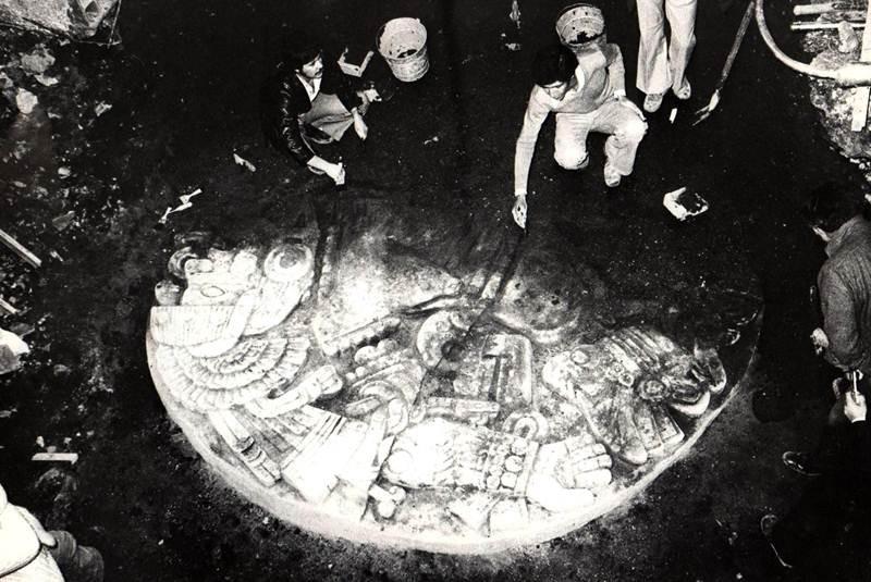 Hallazgo de la piedra de Coyolxauhqui en el Templo Mayor, 1978.