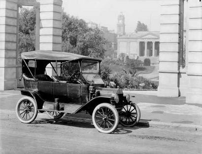 primer automovil en mexico