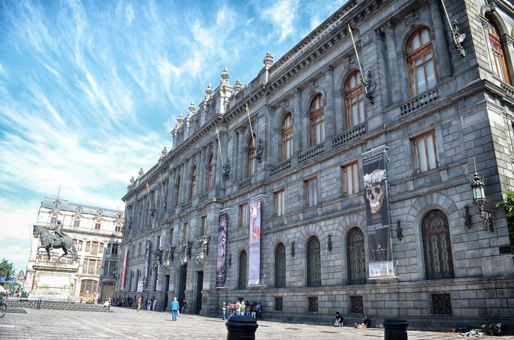 Plaza-Manuel-Tolsa-CDMX- MXCity   Guía de la Ciudad de México
