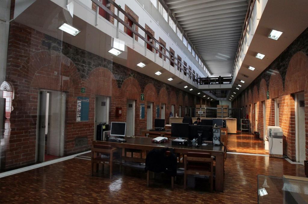 40821051. México, D.F. Recorrido por las instalaciones del Archivo General de la Nación que resguarda siglos de historia, además ofrece los servicios de biblioteca y hemeroteca, visitas guiadas, proyecciones de cine y exposiciones entre otras actividades. NOTIMEX/FOTO/JOSÉ PAZOS/JPF/ACE/