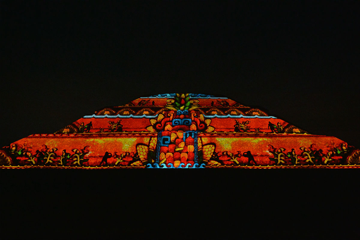 video mapping teotihuacan