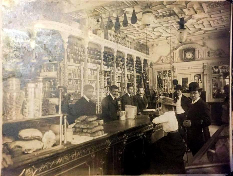 """La tienda de """"don modesto"""" en 1902"""