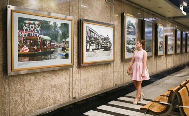 moscu exhibe en sus andenes la historia del transporte público en la Ciudad de Mexico