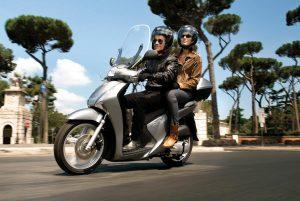 motociclista-pasaje