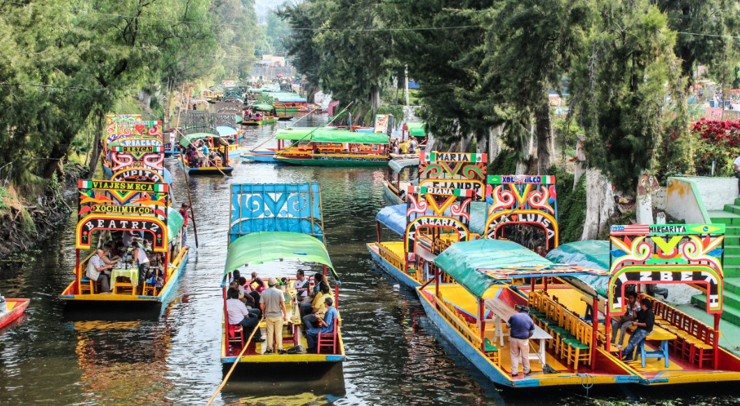 attractions xochimilco