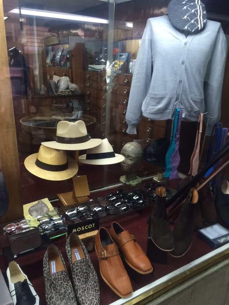 Sobre la encantadora tienda de Artículos Ingleses en el centro 30d56d55599