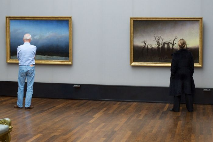 Photographer-goes-through-the-museums-to-capture-the-similarities-between-the-paintings-and-the-visitors-and-the-result-will-impress-you-59e6fb4c4f70f__700