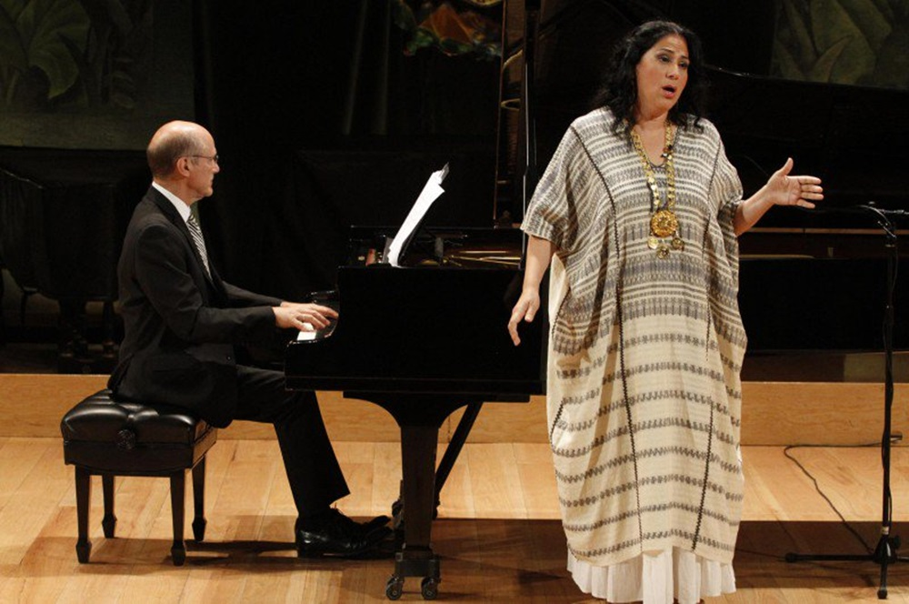 La soprano Olivia Gorra celebrará 30 años de carrera en Bellas Artes ... 754adac77eb