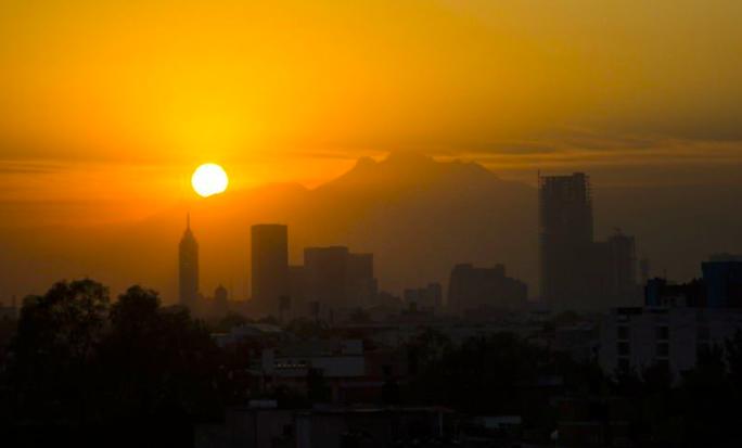 MAGISTRAL COLECCIÓN DE AMANECERES DE LA CIUDAD DE MÉXICO