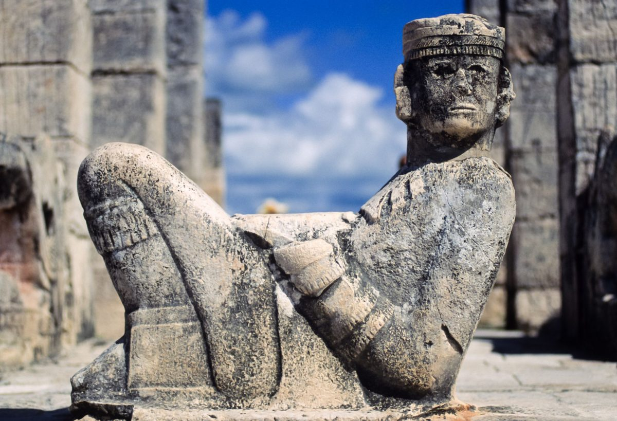 tu ex escultura hombre desnudo recostado