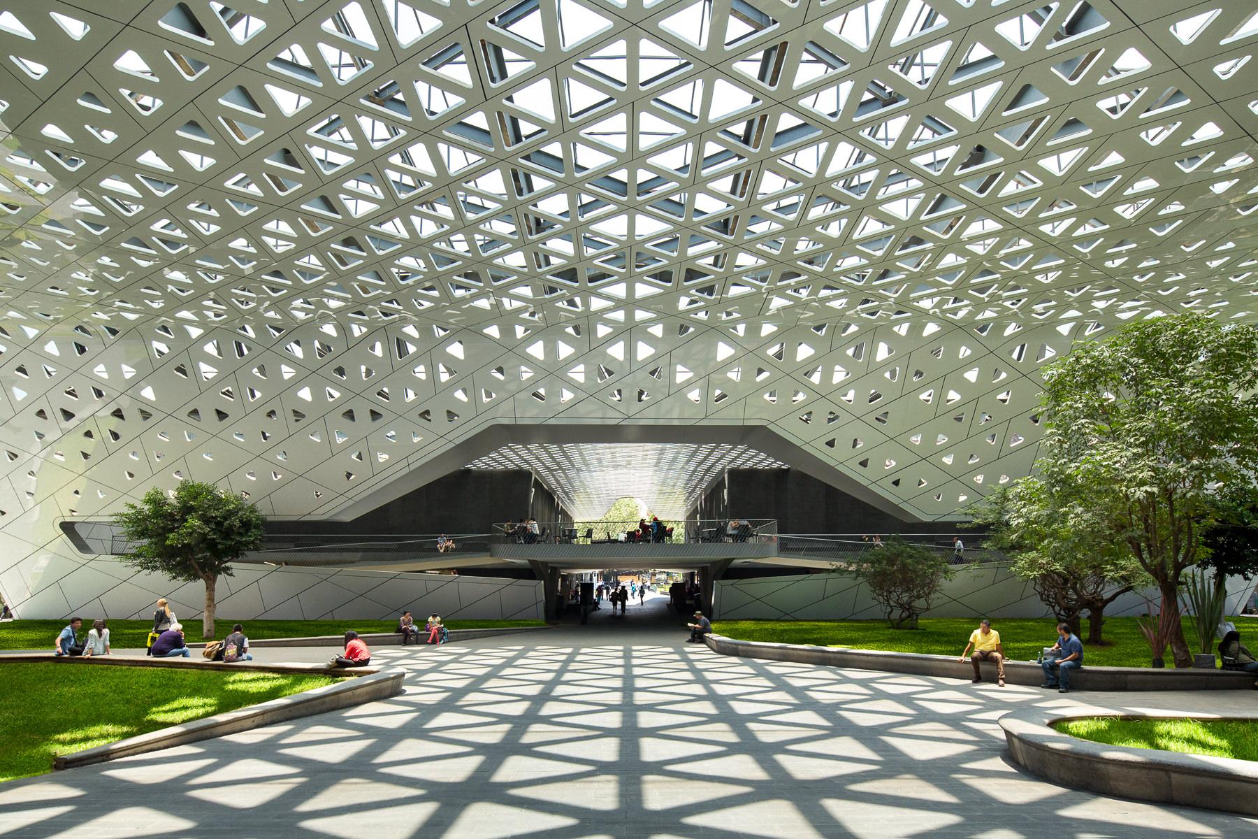 Cineteca Nacional, otro de los lugares para hacer un picnic en la CDMX.